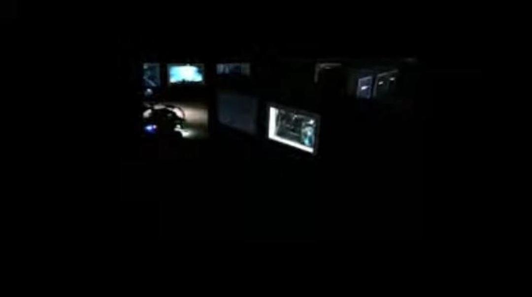 觀眾可於網上預約時間駕駛無人車,在展覽場地內透過鏡頭「遊覽」9座無人島展品。