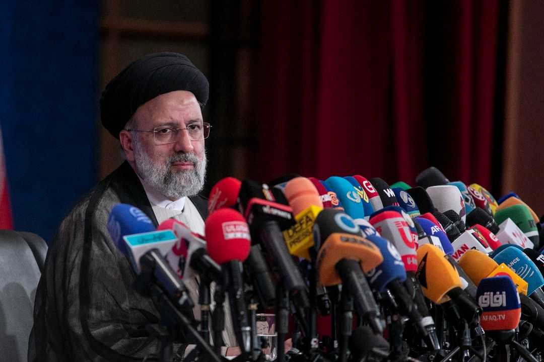 2021年6月21日,伊朗候任總統萊西(Ebrahim Raisi)出席記者會。 攝:Majid Saeedi/Getty Images