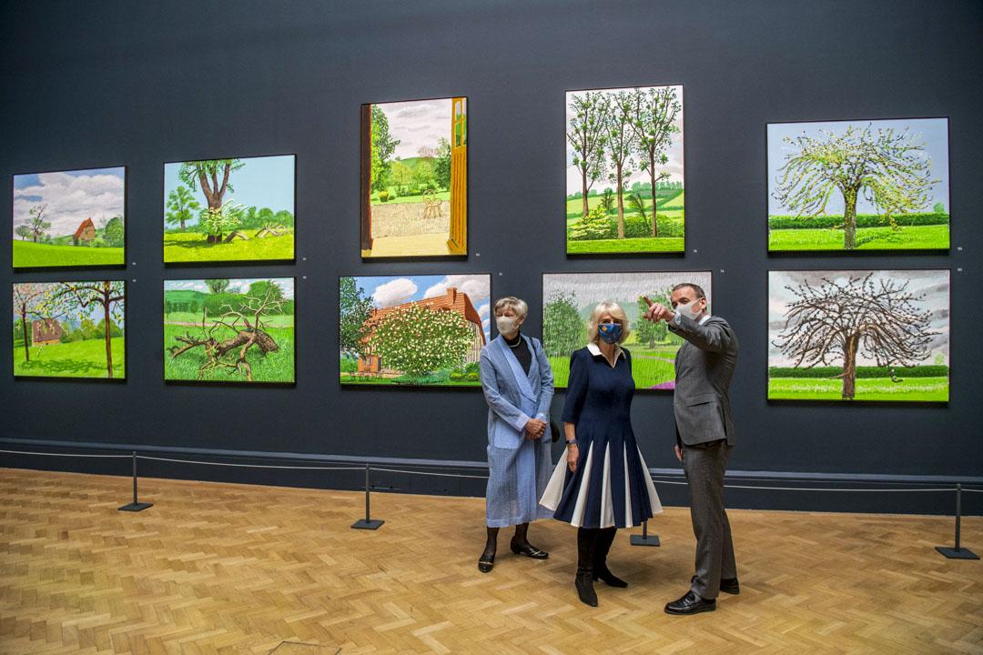 英國國寶級畫家David Hockney在英國倫敦皇家藝術學院(Royal Academy of Arts)展出疫情期間所作的百幅寫生。