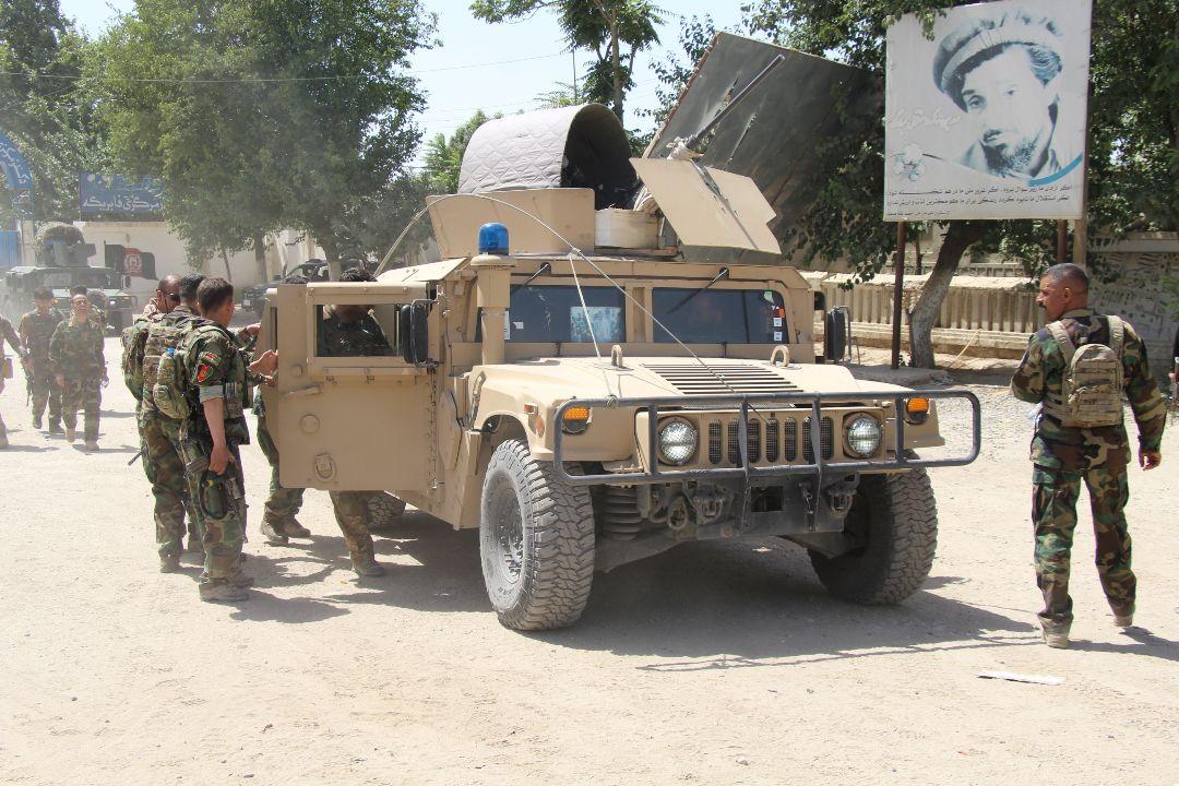 2021年6月22日,阿富汗昆都士省,阿富汗政府軍與塔利班叛軍戰鬥。 攝:Reuters Photo