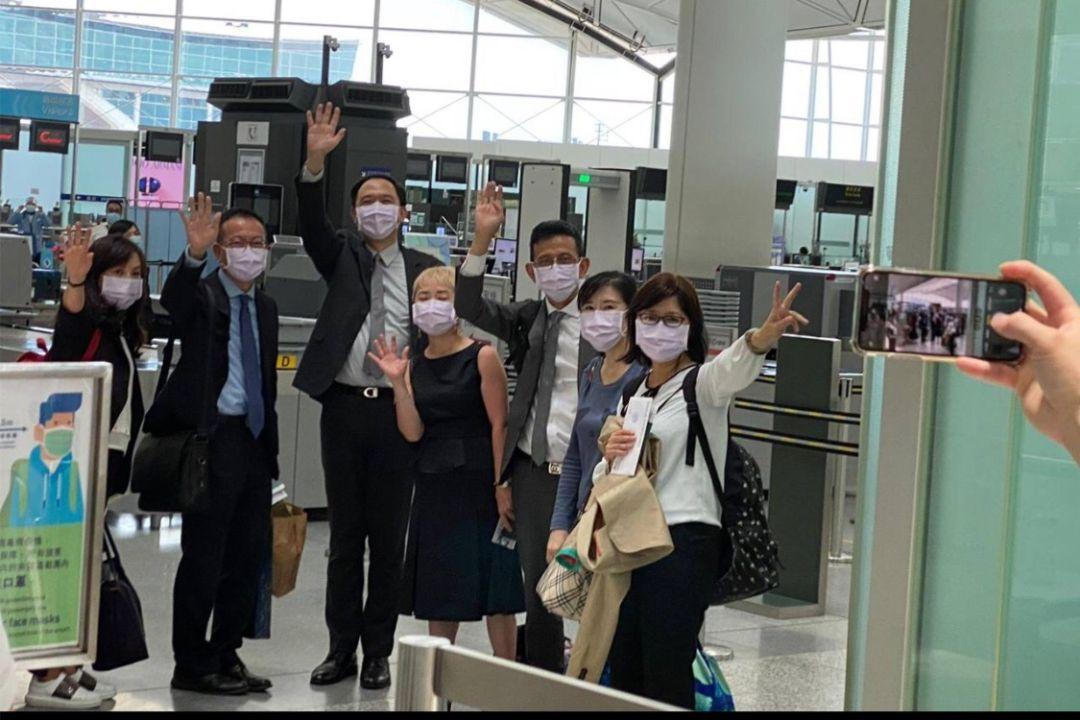 2021年6月20日,台灣駐香港辦公室七名人員返台。 圖片來自陸委會Facebook貼圖