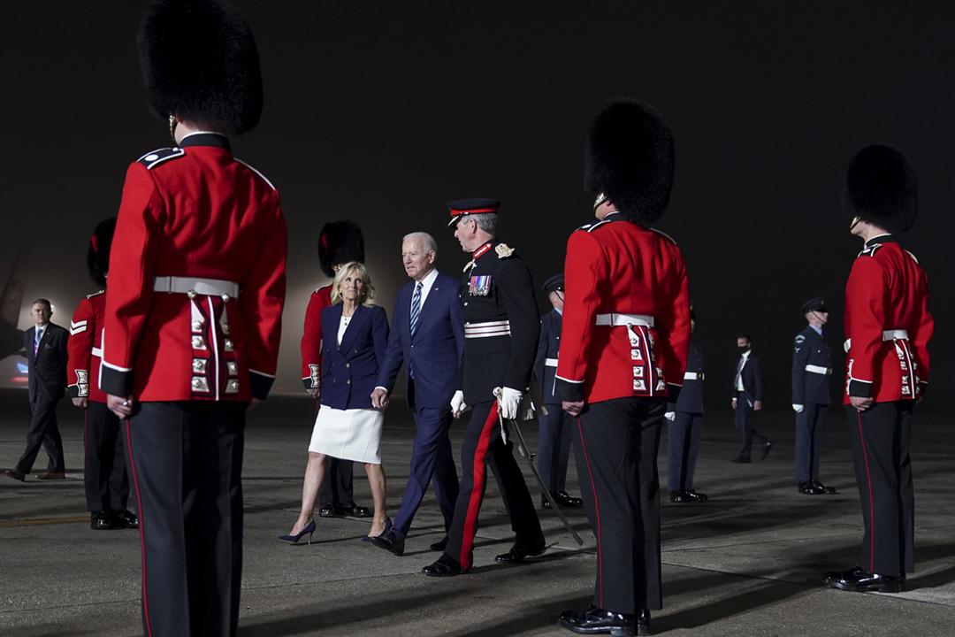 2021年6月9日,美國總統拜登及第一夫人吉爾抵達英國,展開歐洲訪問行程。 攝:Kevin Lamarque / Reuters