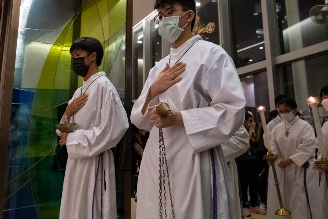 2021年6月4日,天主教香港教區榮休主教陳日君樞機到坑口的聖安德肋堂主持彌撒,悼念六四事件32週年。