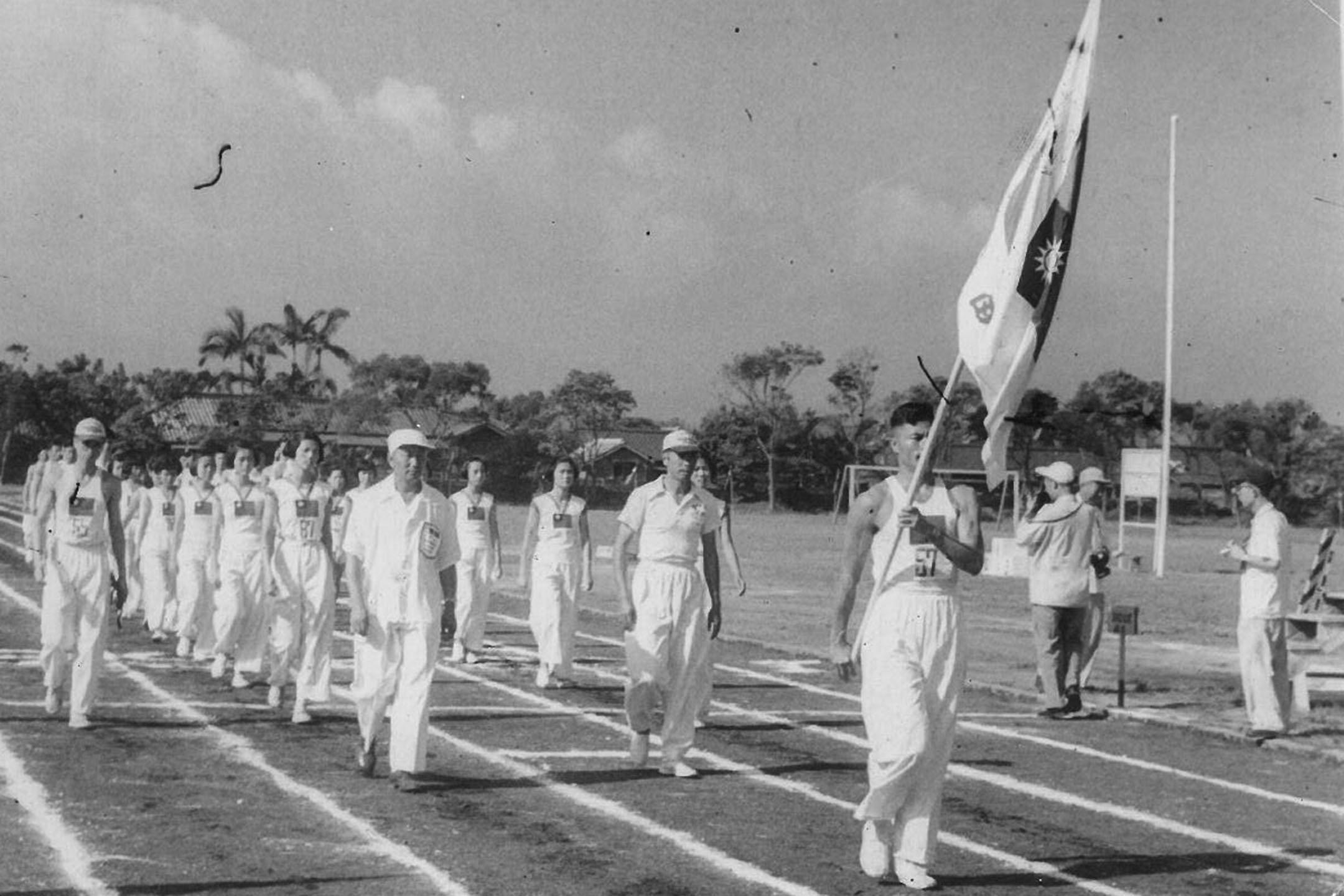 1952年,張星賢擔任台灣田徑隊副總領隊,帶領台灣選手遠征馬尼拉。 圖:國立台灣歷史博物館提供
