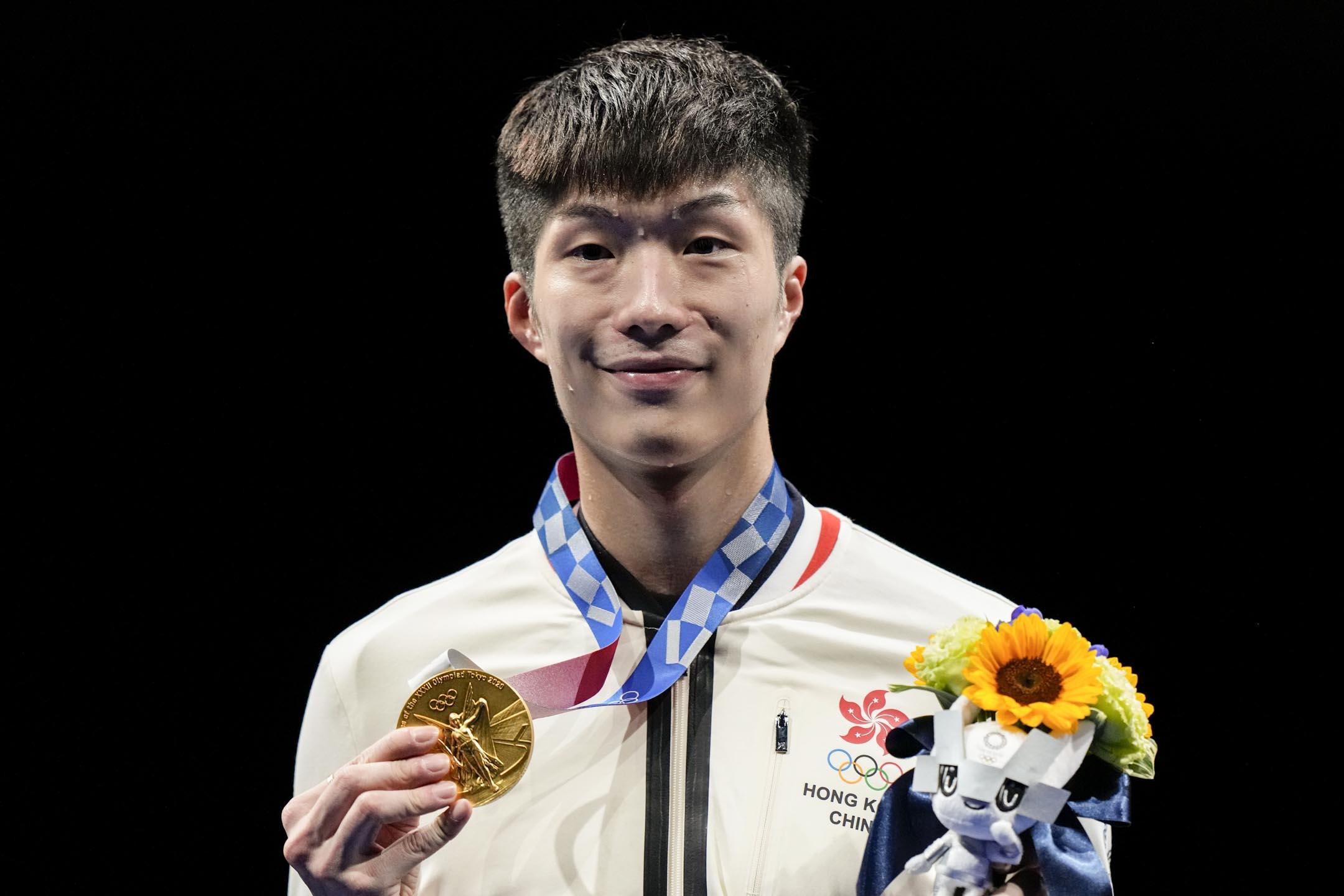 2021年7月26日,香港男子劍擊代表張家朗在花劍決賽,以15比11擊敗上屆金牌得主、意大利的Daniele Garozzo,成為自1996年以來,首名取得奧運金牌的香港選手。