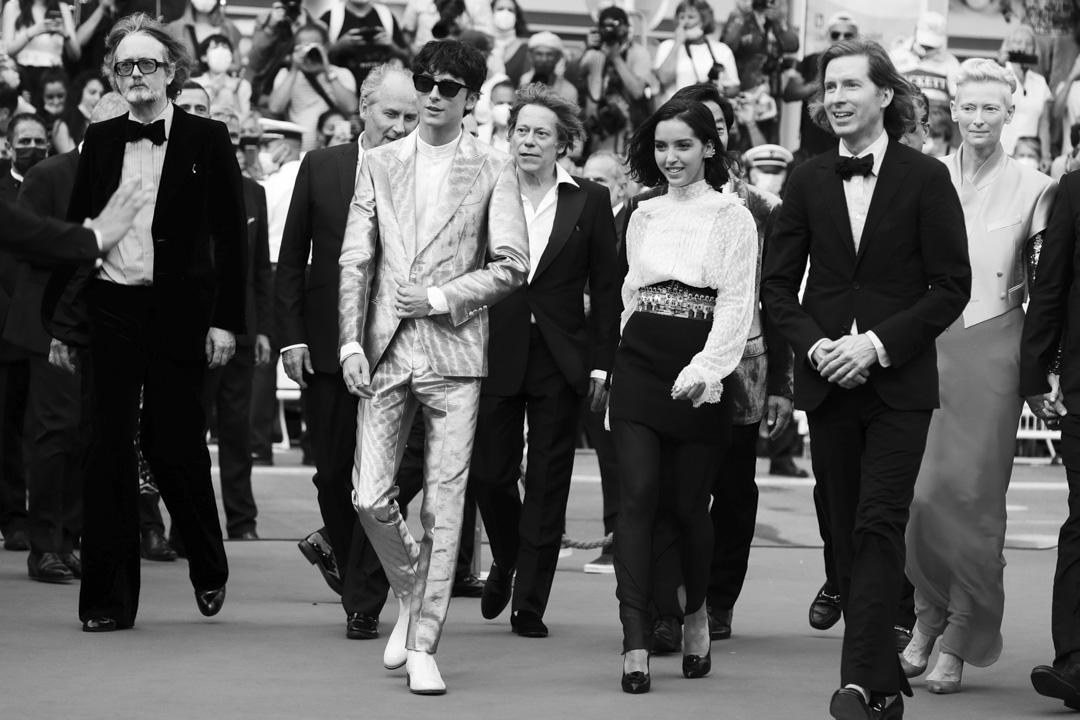 2021年7月12日,第74屆康城電影節,《法蘭西特派》主創團隊出席首映禮。 攝:Vittorio Zunino Celotto/Getty Images for Kering