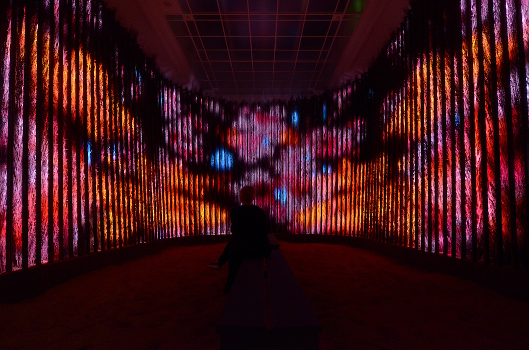 王志勇的裝置作品「一沙一世界」,在是次項目中轉化成虛擬版,透過手機應用程式及VR版本呈現。