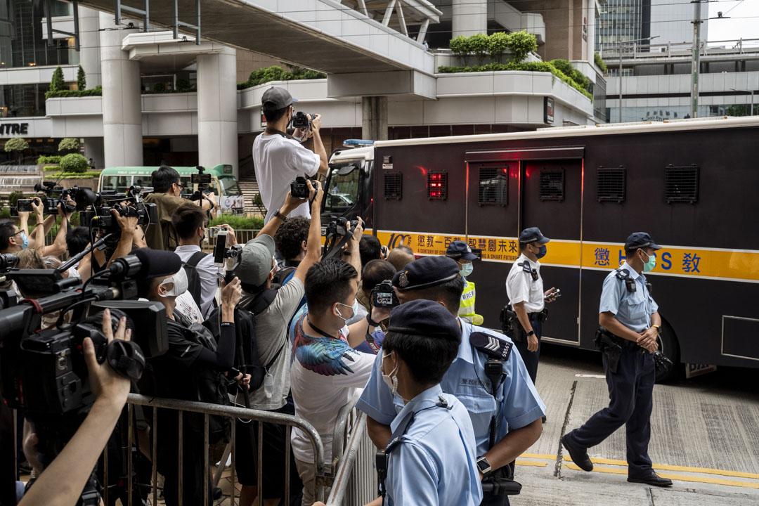 2021年7月30日,首宗《香港國安法》被告唐英傑被裁定一項煽動分裂國家罪及一項恐怖活動罪罪名成立,共入獄9年,下午由囚車押送離開。