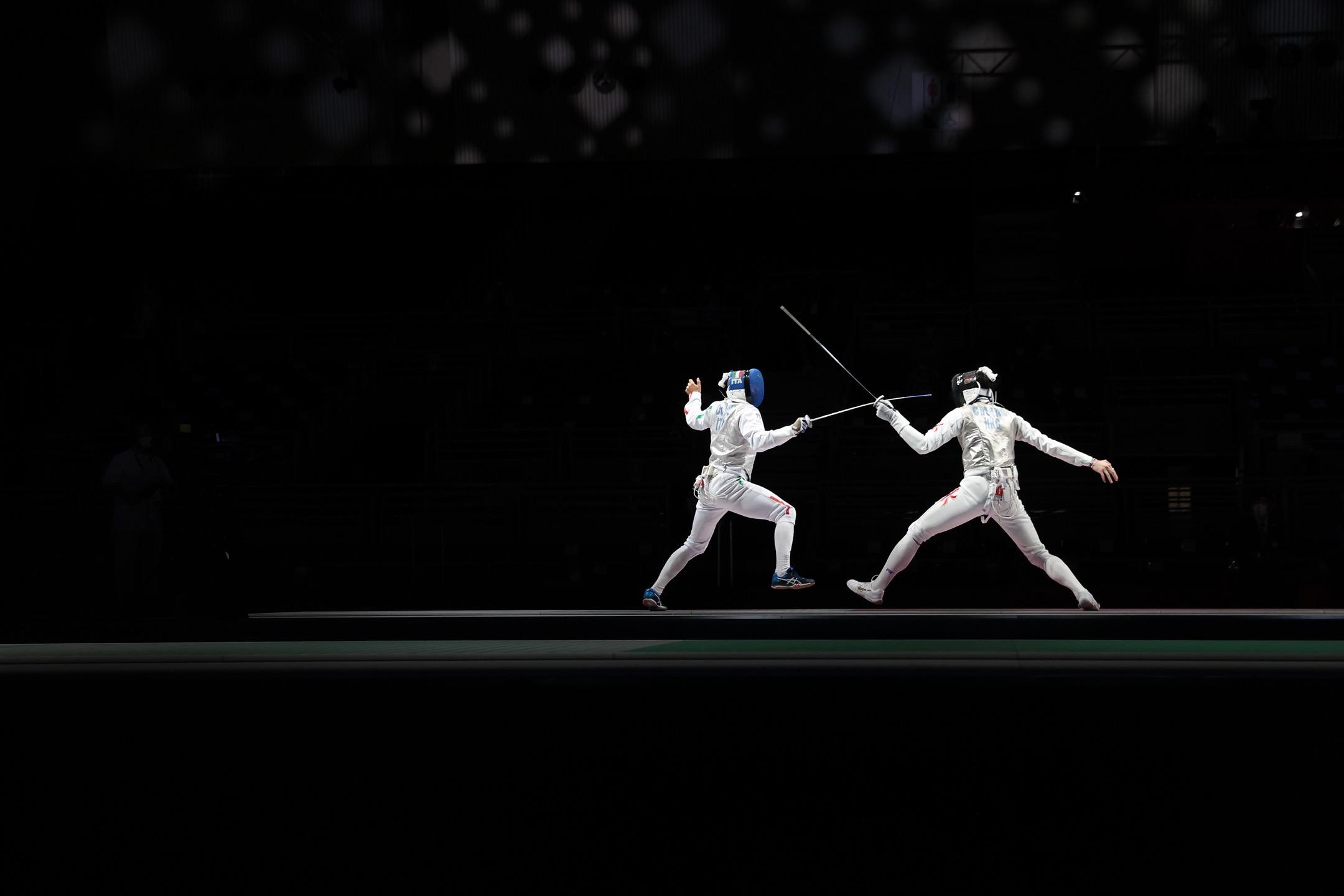 2021年7月26日,東京奧運,男子花劍項目16強賽事,香港代表張家朗(右)對意大利代表Alessio Foconi。