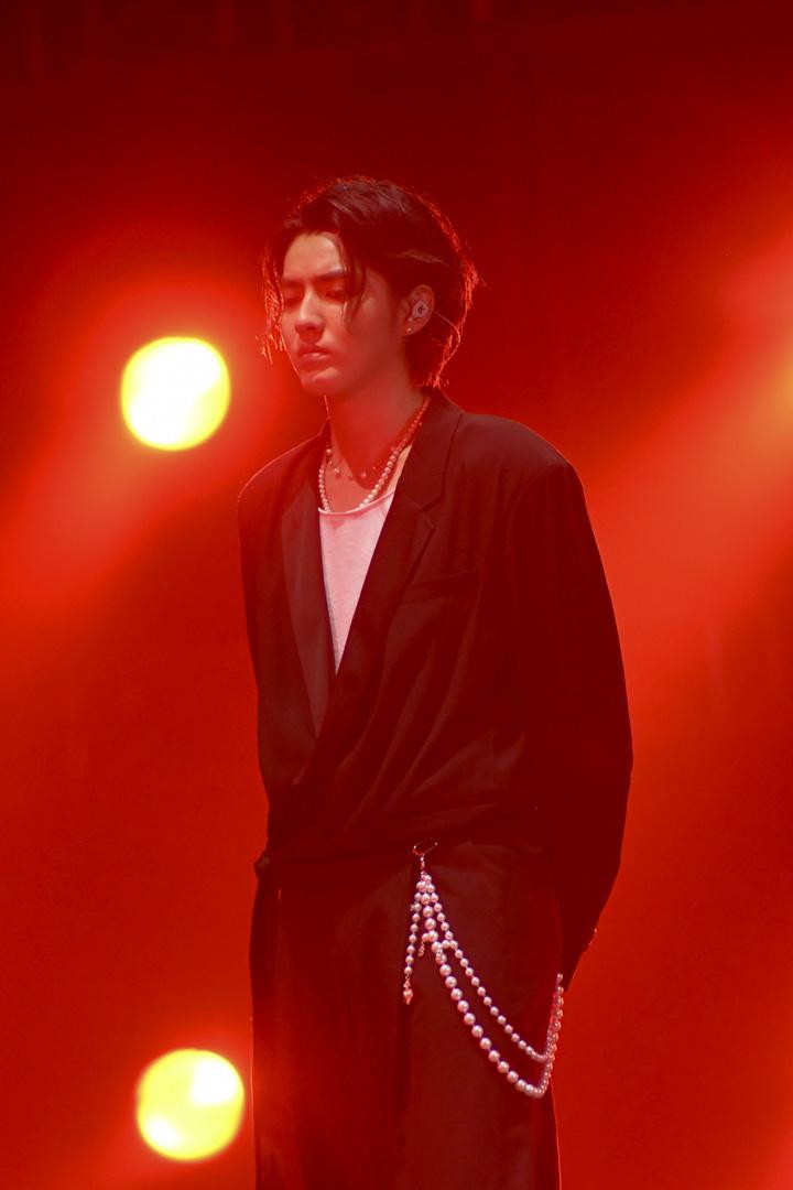 2019年8月8日,吳亦凡於上海舉行的一個音樂會上演出。