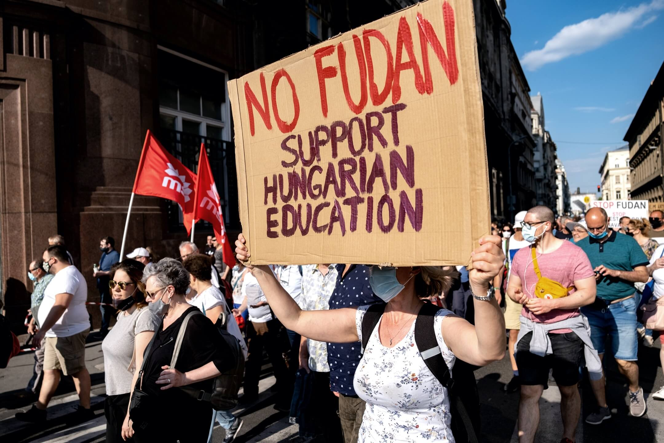 2021年6月5日,匈牙利布達佩斯有大型示威反對復旦大學布達佩斯分校計劃。 攝:Janos Kummer/Getty Images