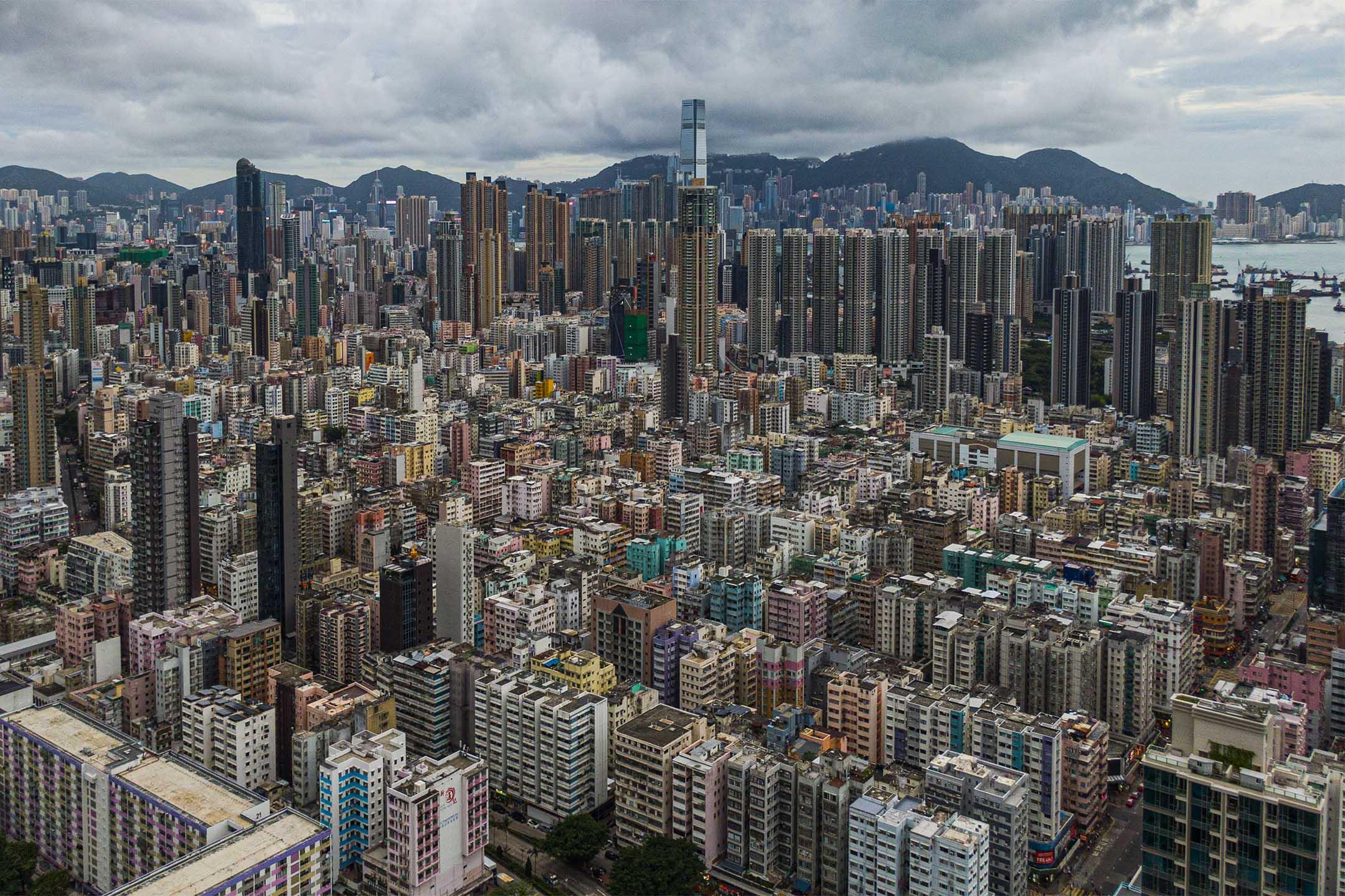 由嘉頓山俯瞰深水埗。 攝:陳焯煇/端傳媒