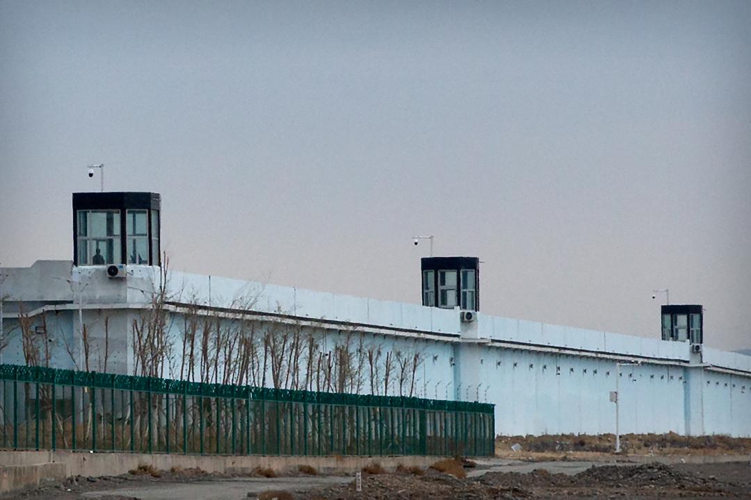 2021年4月23日,中國新疆達阪城,烏魯木齊第三看守所。 攝:Mark Schiefelbein/AP Photo