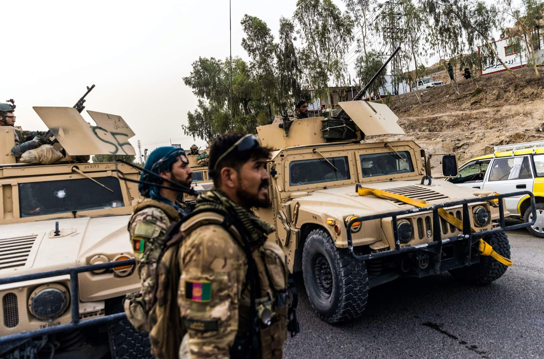 2021年7月13日,阿富汗坎大哈省,阿富汗特種部隊成員拯救一名在檢測站被塔利班圍困的警員。 攝:Danish Siddiqui/Reuters/達志影像