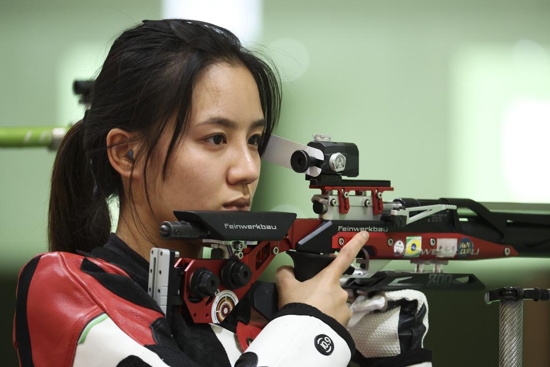 2021年7月21日,中國選手王璐瑤於射擊女子10米氣步槍無緣決賽。