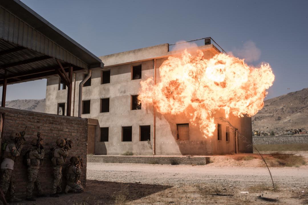 2017年9月7日,阿富汗首都喀布爾,當地警察特種部隊的危機應對小組在軍營裏進行演習。