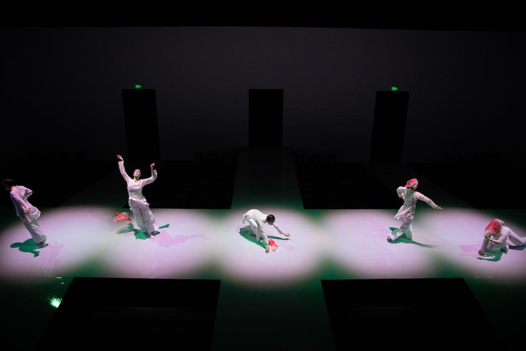 吳國亮覺得舞蹈優勝之處,在於表達情感,用來演繹情感內歛的《紫釵記》,可說是十分匹配。