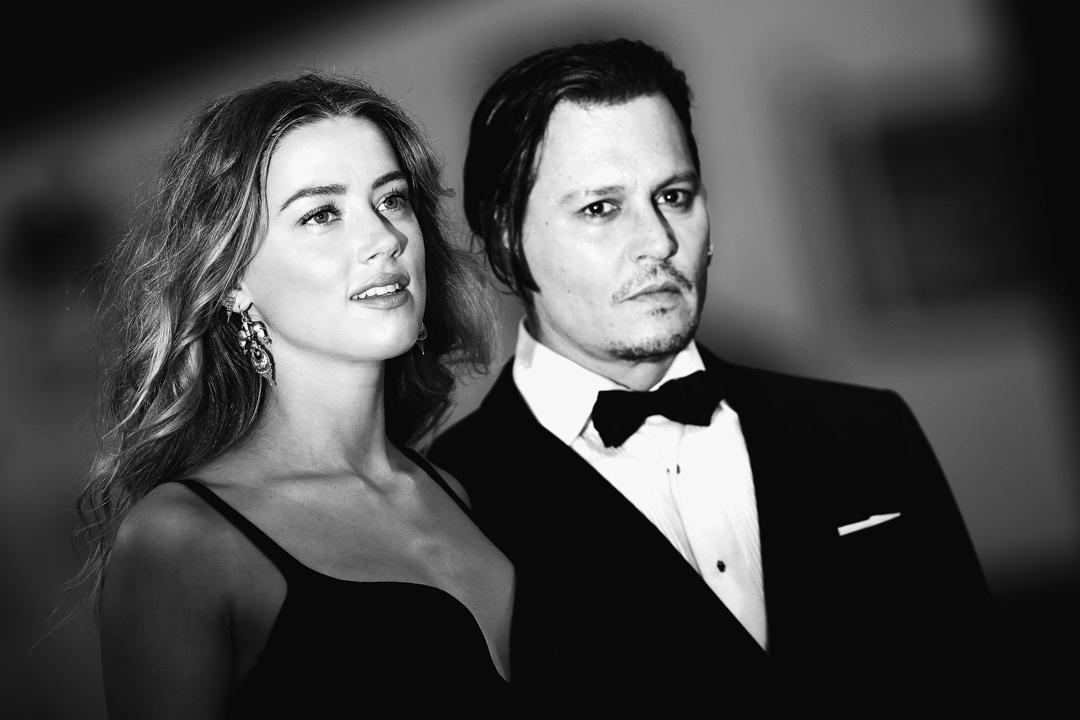 2015年9月4日,強尼.戴普(Johnny Depp)和安柏.赫德(Amber Heard)參加第 72 屆威尼斯電影節。
