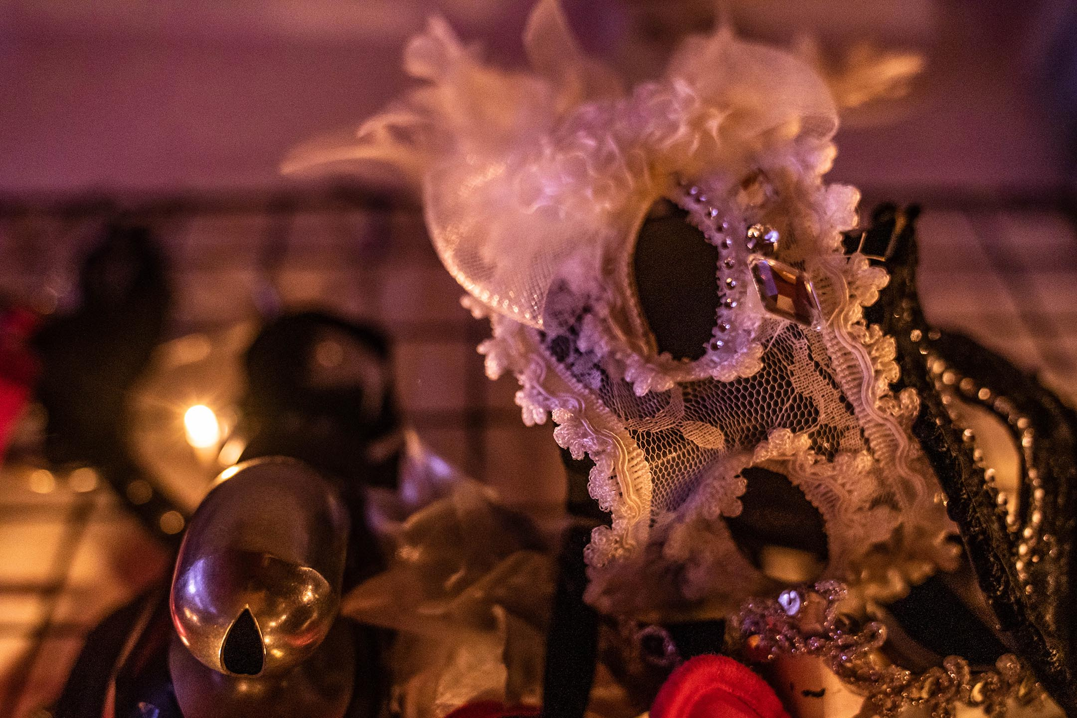 受訪者的「女皇面具」。