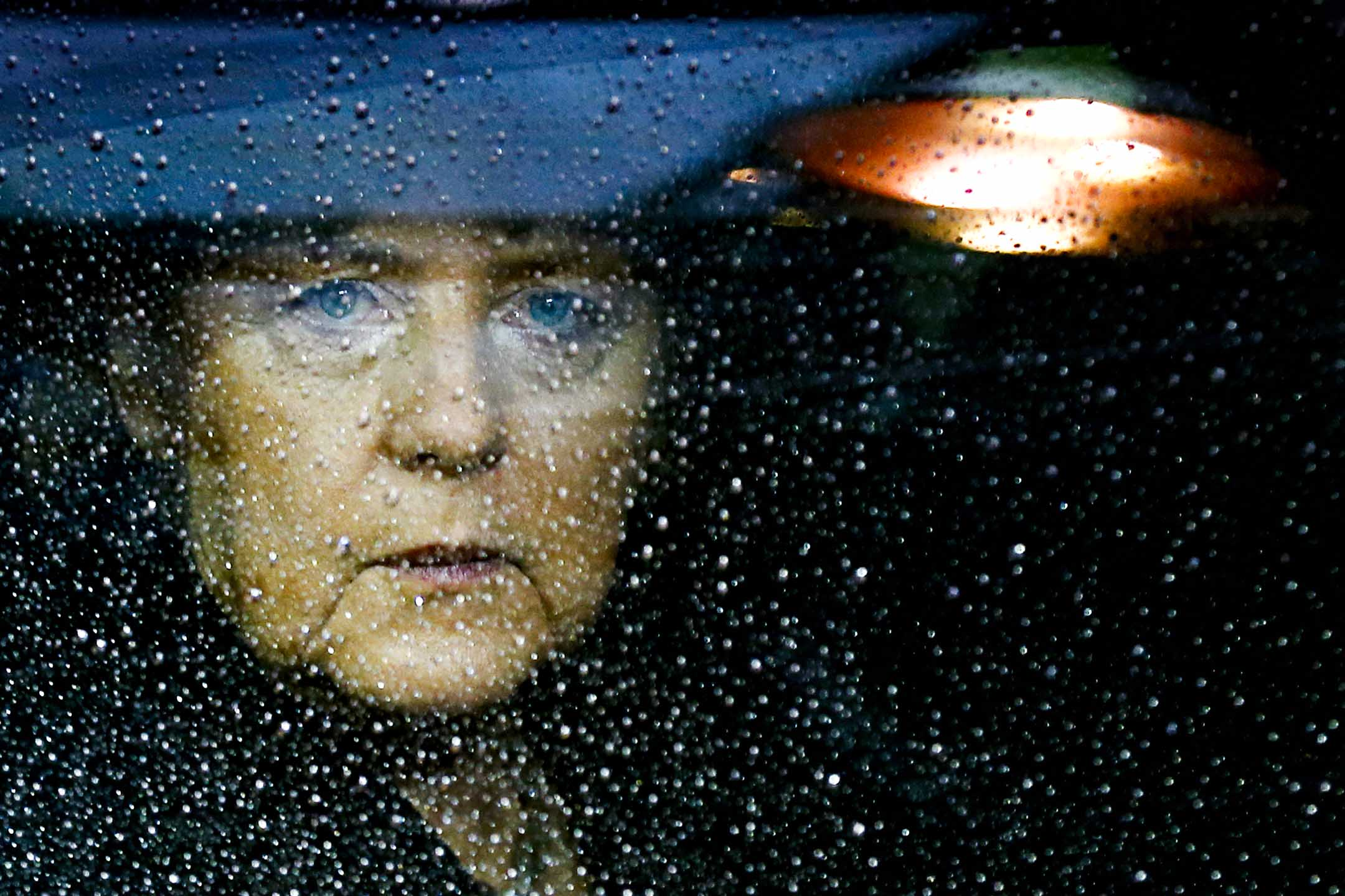 2012年11月23日,德國總理默克爾抵達歐盟總部,參加歐盟領導人峰會。 攝:Francois Lenoir/Reuters/達志影像