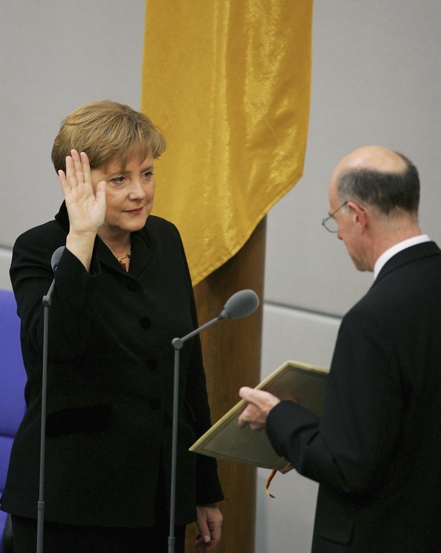 2005年11月22日,德國首都柏林,基民盟的默克爾宣誓就職德國總理。