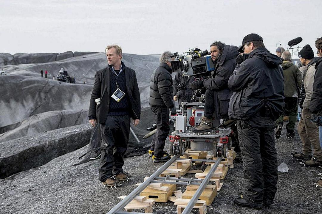 基斯杜花諾蘭(Christopher Nolan)在拍攝現場。