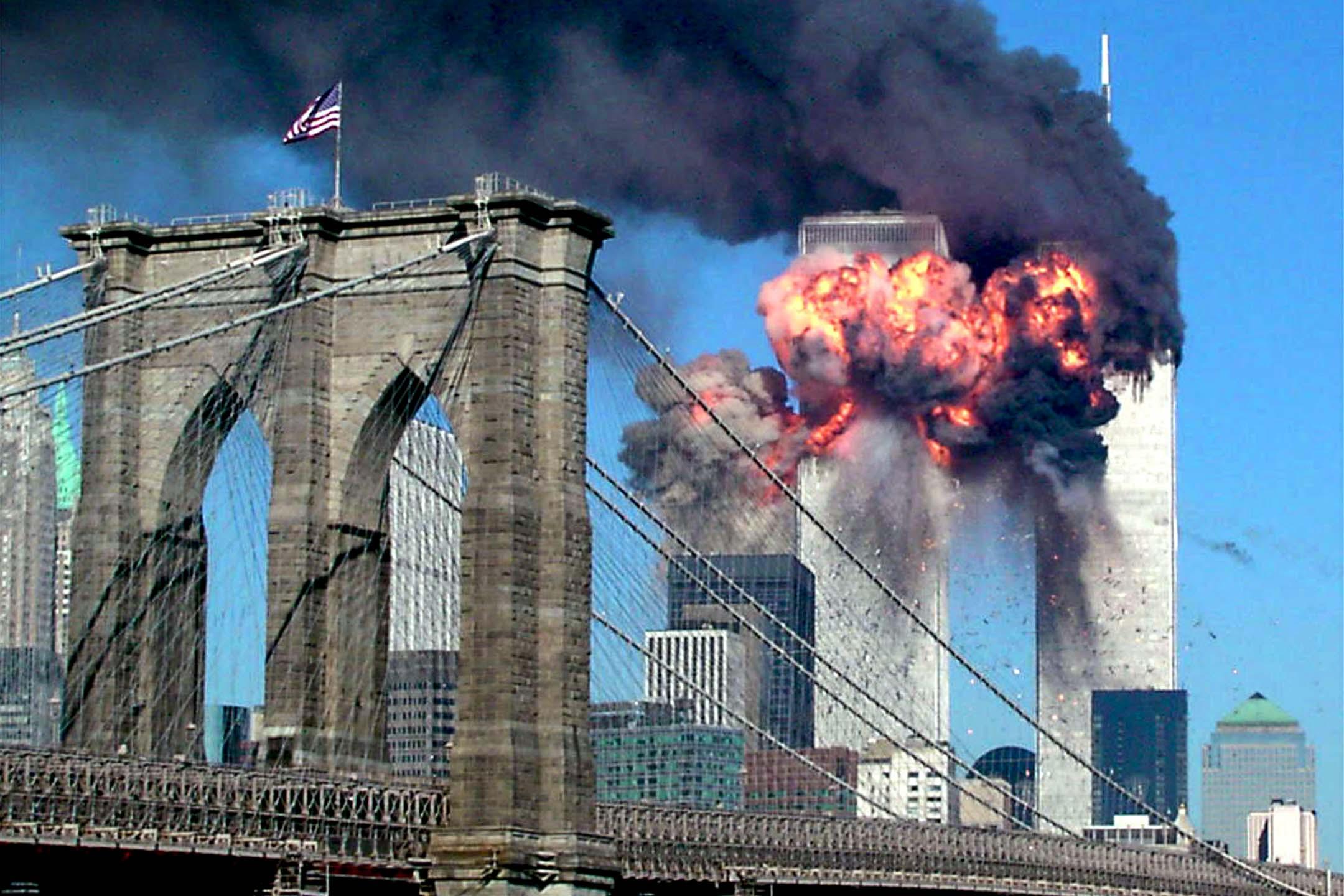 2001年9月11日,兩架民航客機在起飛後被恐怖分子劫持,前後間隔不久,接連撞入位於美國紐約的世界貿易中心南北兩座摩天塔樓。 攝:Sara K. Schwittek/Reuters/達志影像