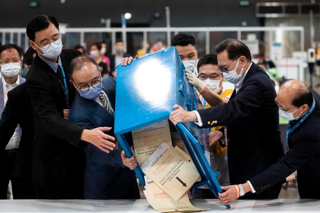 2021年9月19日,香港選委會選舉開票。 攝:林振東/端傳媒