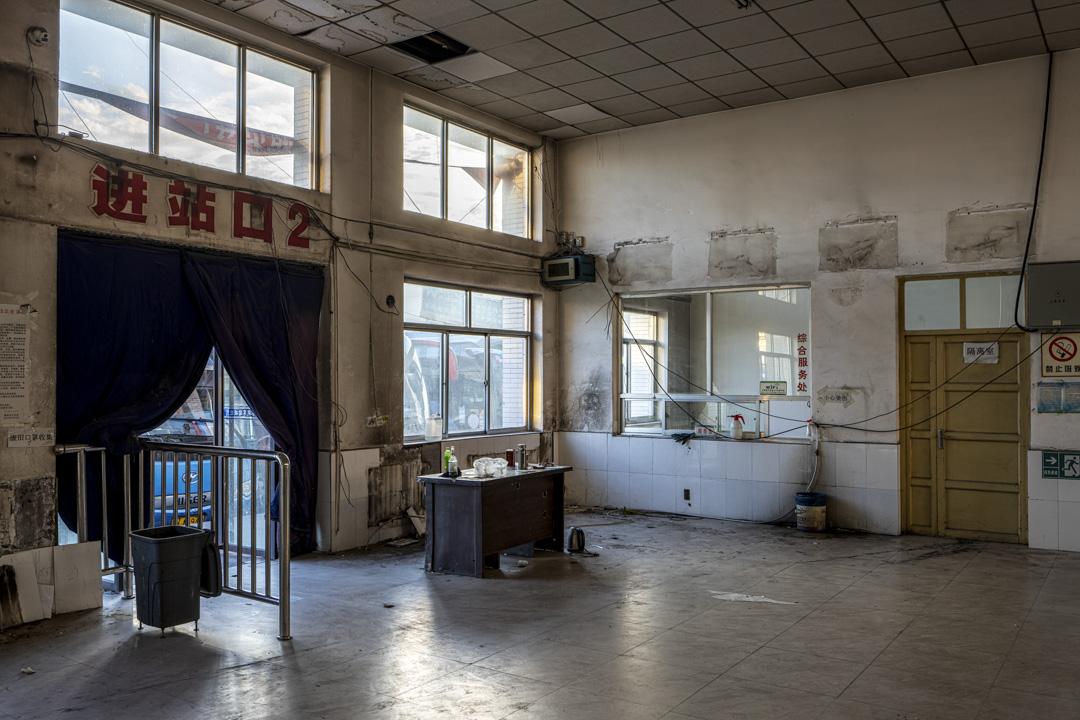 大柳塔廢棄的汽車站。