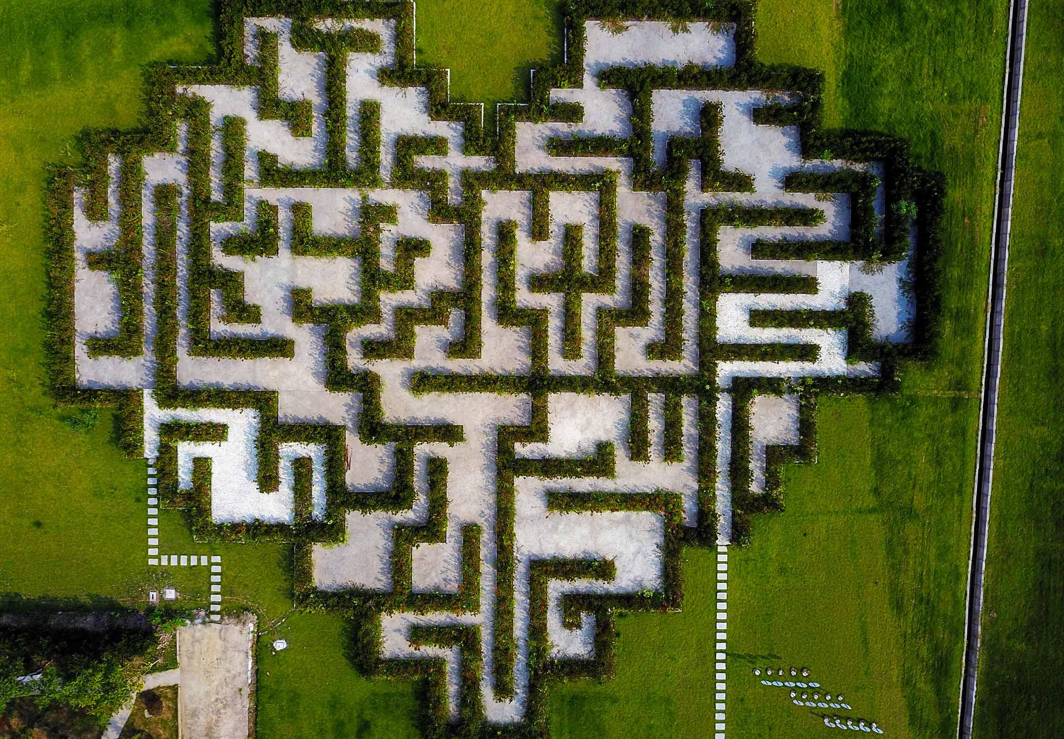 2018年7月30日中國平湖市,一個心形迷宮。