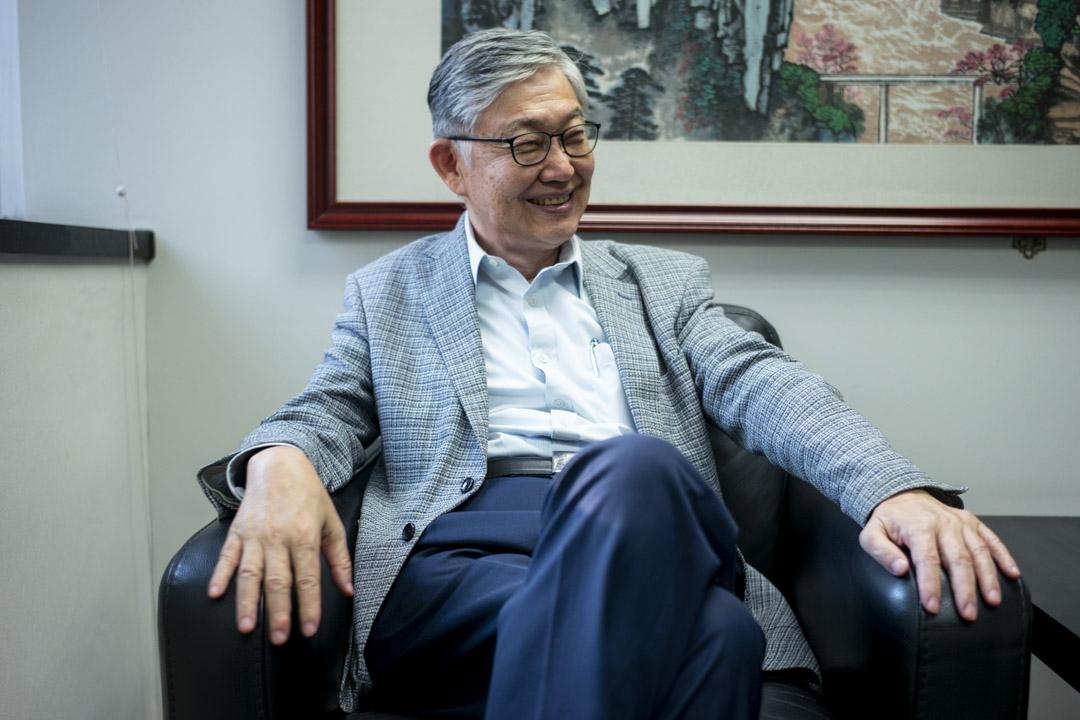 香港的未來,施永青坦承:「我只是意識到,有些東西在改變,我未看得好清楚, 所以不可以好清晰作出評價。現在是處於異變的前奏。」