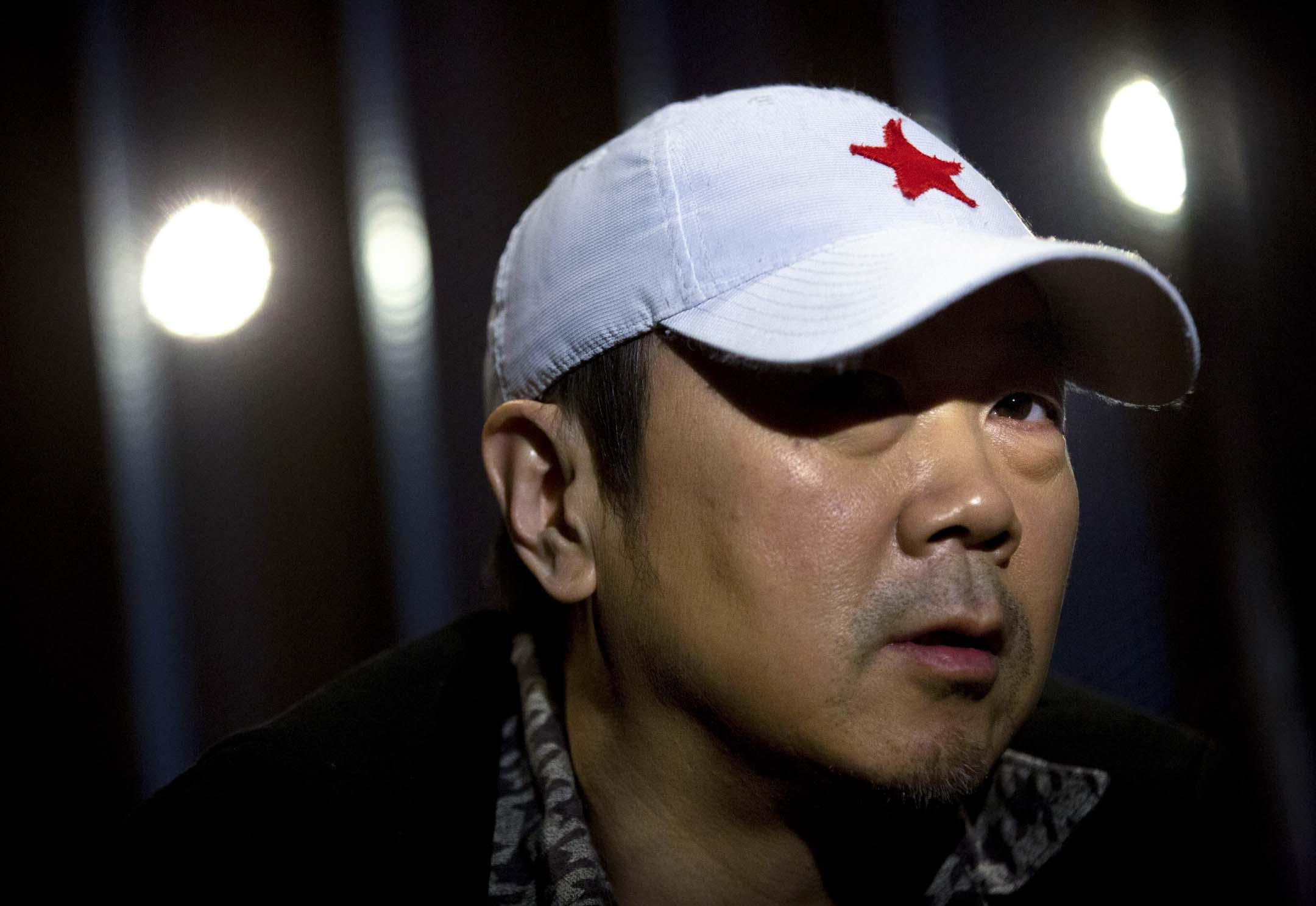 2015年12月29日,中國搖滾巨星崔健在北京接受採訪。