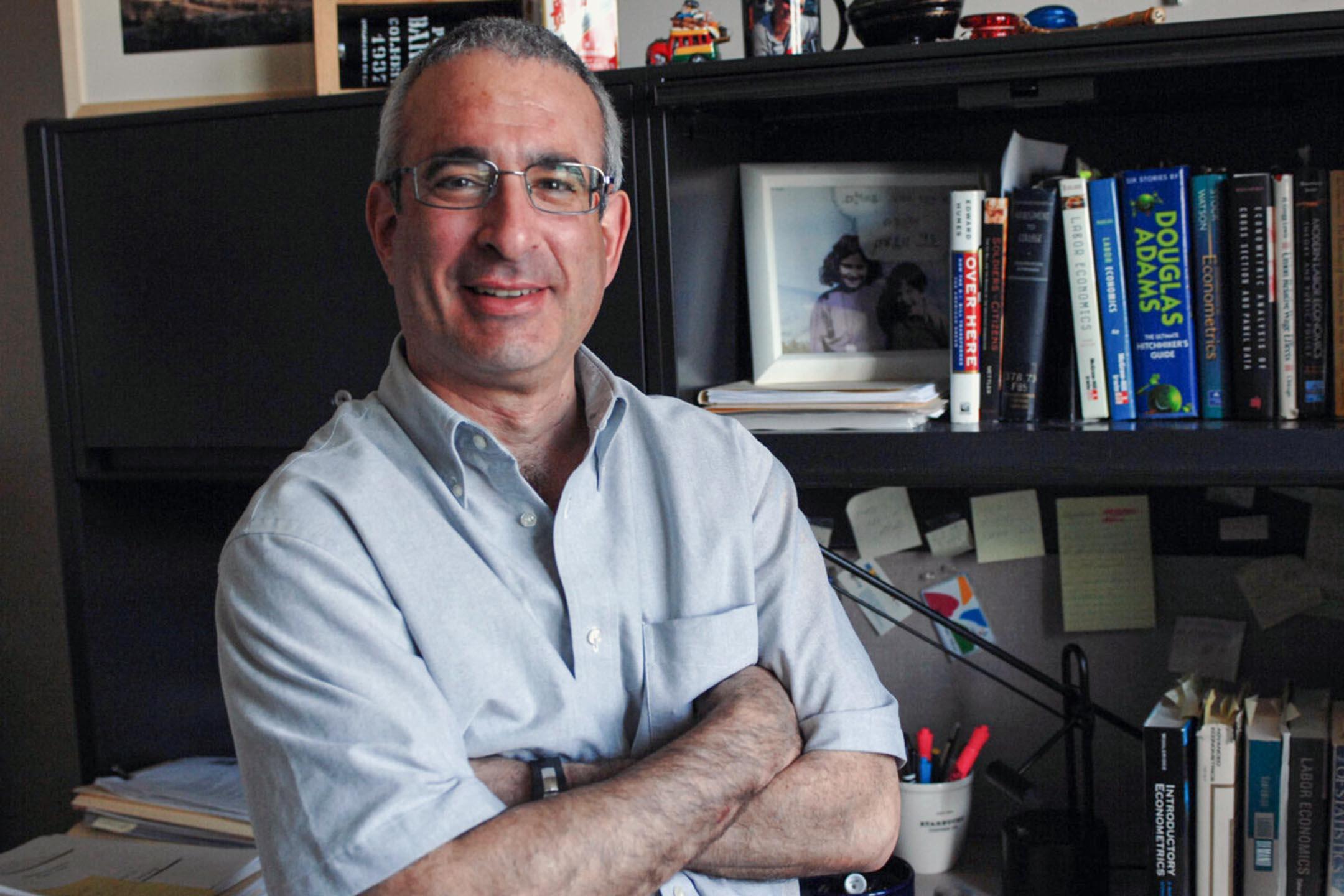 諾貝爾經濟學獎得主之一,美國麻省理工學院教授安格里斯特(Joshua D. Angrist)。